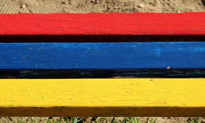 Farba na drevo a lavičku